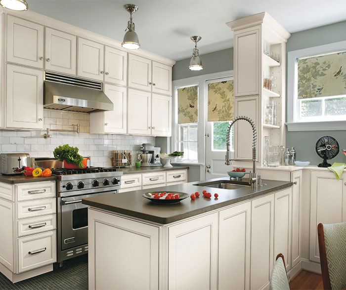 Laminate Cabinets in a Casual Kitchen