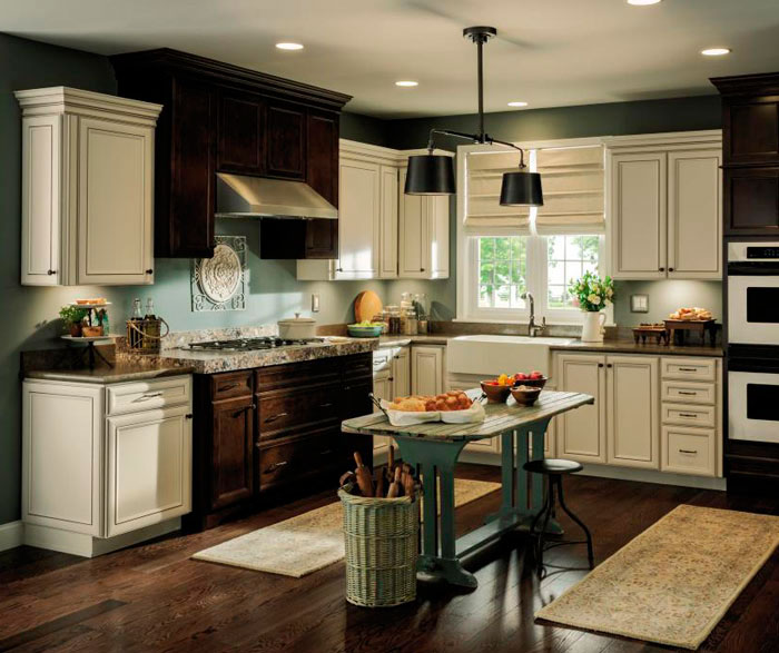 Rustic Kitchen with Contrasting Finishes - MasterBrand