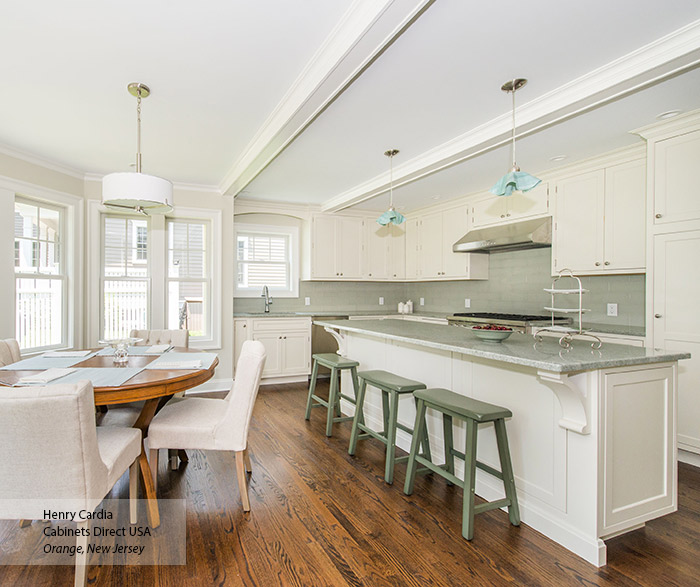 Off-White L-Shaped Kitchen Design With Island