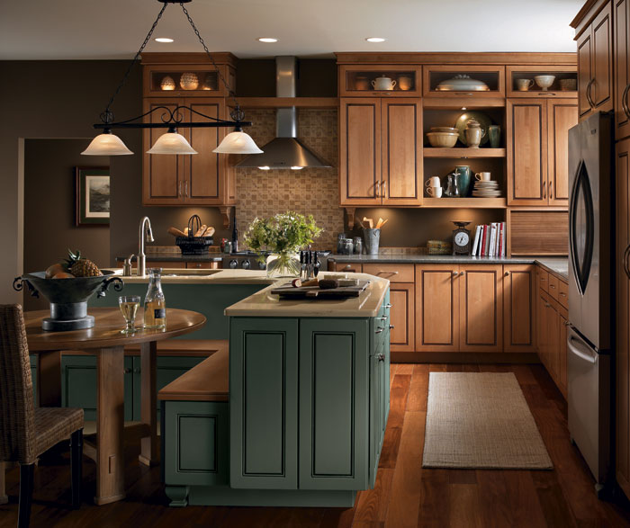 Light Colored Kitchen Cabinets: Light Maple Cabinets In A Casual Kitchen