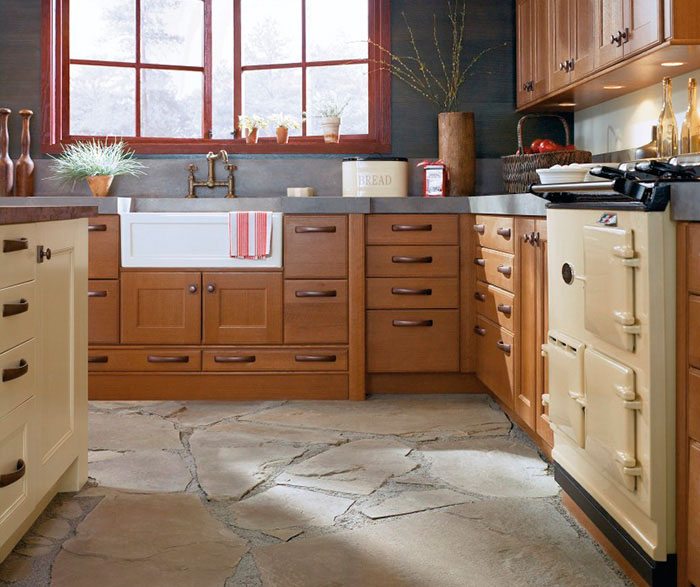 Rustic Kitchen Cabinets in Rift Oak - MasterBrand