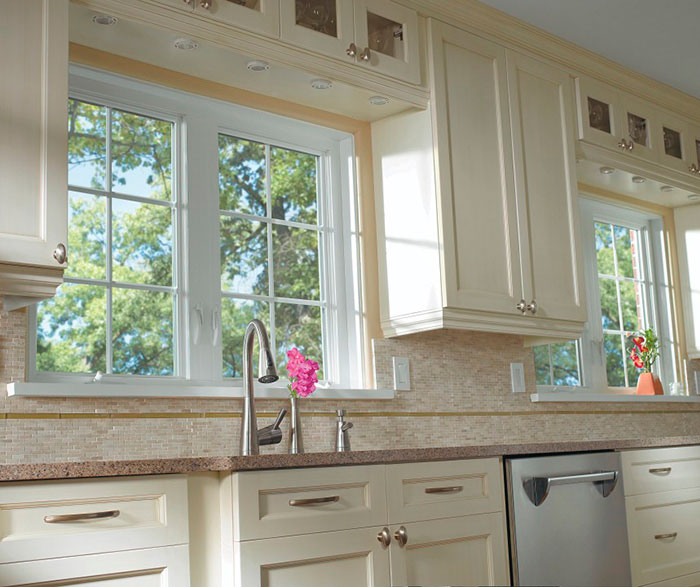 Off White Kitchen Cabinets: Off White Cabinets In A Casual Kitchen