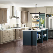 Merveilleux Diamond Semi Custom Kitchen Cabinets With A Blue Island