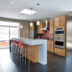 Kitchen with Eco Veneer cabinets from MasterBrand