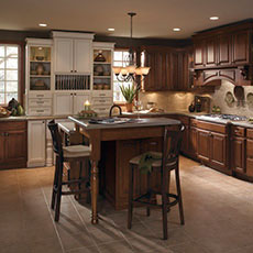 Traditional style kitchen cabinets & Traditional Kitchen Cabinets: Cabinetry Styles - MasterBrand kurilladesign.com