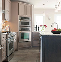 Modern kitchen design with Diamond cabinets