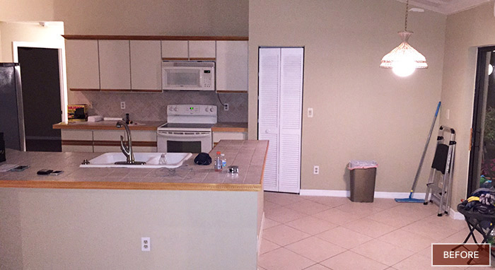 Kitchen before remodel>