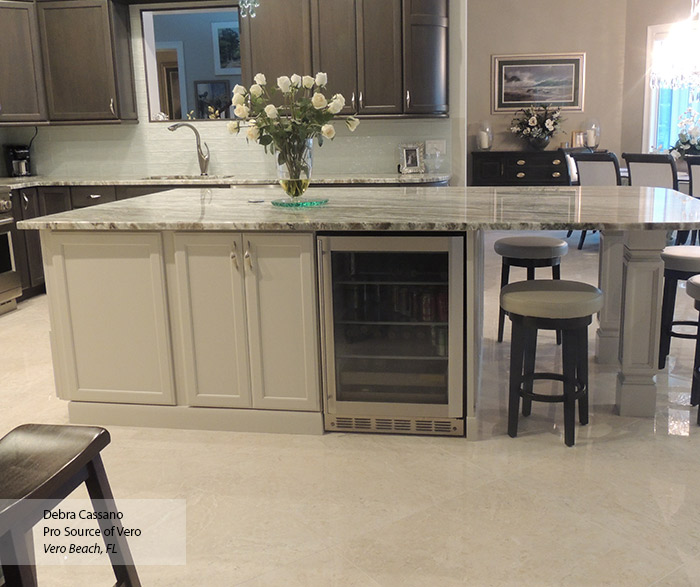 Houzz Off White Kitchen Cabinets: Gray Cabinets With An Off White Kitchen Island