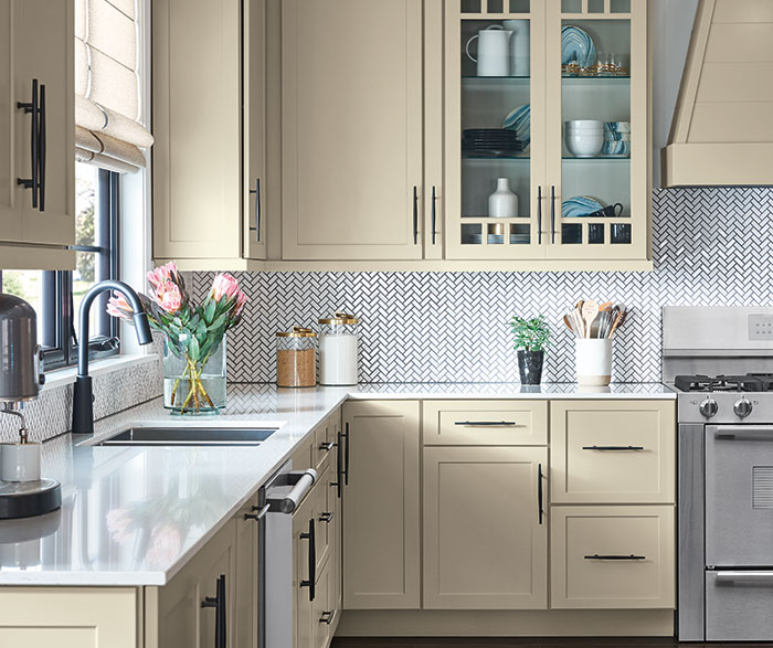 Off White Shaker Kitchen Cabinets Masterbrand