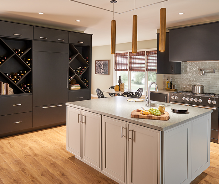 Rohe_Maple_Ebony_Kitchen_Garrison_Maple_Stone_Island_Crop